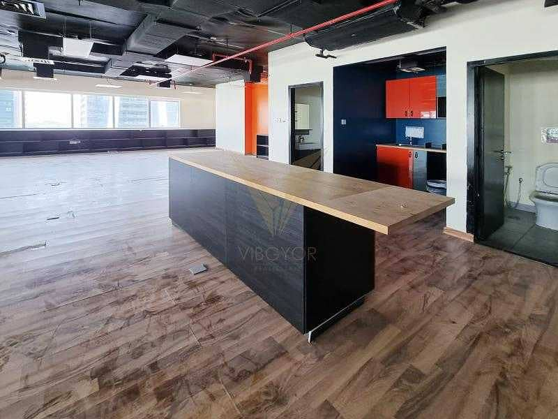 10 Vacant and Fitted Office |Next to the Metro