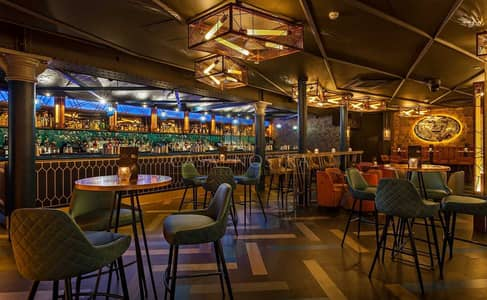 محل تجاري  للبيع في جميرا بيتش ريزيدنس، دبي - Bar and Lounge with Spacious  Kitchen