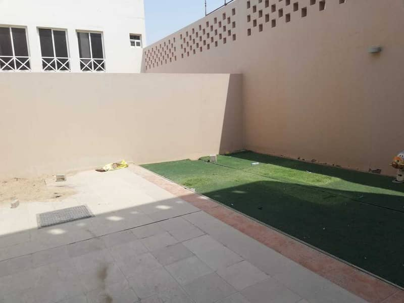 6 MASTER BED ROOM WITH DRIVER AND MAID ROOM BACKYARD