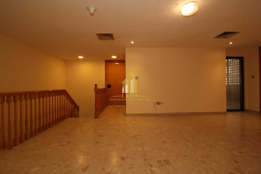 29 Spacious clean Duplex 4 BR + Maid apartment  & featured location !