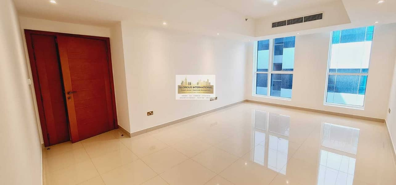 Excellent 2BHK with Balcony w/ Lovely View!