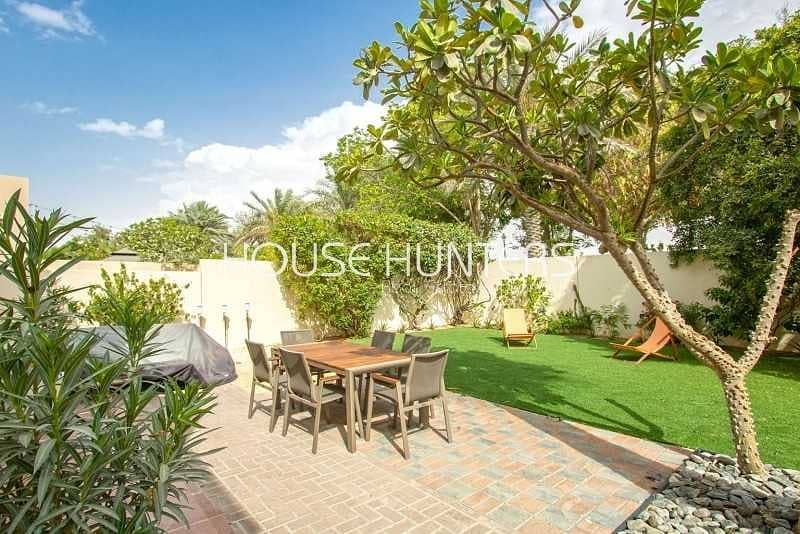 2 Immaculate 3E| Single Row| Close to Park and Pool