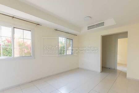 2 Bedroom Villa for Rent in The Springs, Dubai - Walk In Shower - Upgraded - Opposite The Souk