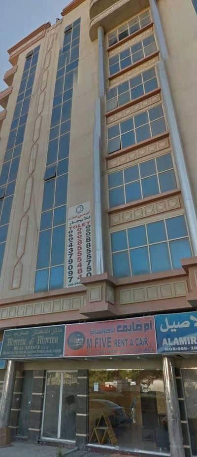 مبنی تجاري  للبيع في الصوان، عجمان - Building for sale ground + 8 floors for sale with an income of 10% freehold