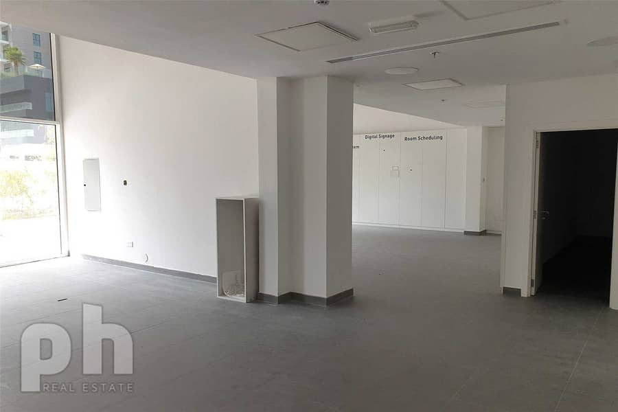 12 Nice Retail Shop   Fitted   Business Bay