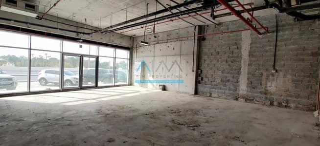 محل تجاري  للايجار في الجداف، دبي - ELEGANT RETAIL SPACE| ROAD FACING | CLASSIC PRICE | VERY EASY IN & OUT | AL JADDAF | NICE RESIDENTIAL BUILDING