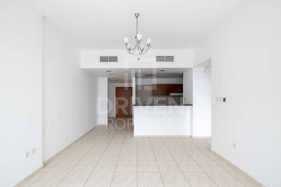 Spacious | Vacant Apt | Ready to Move In