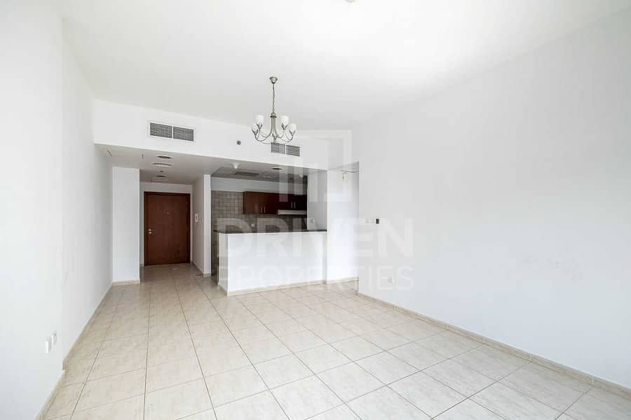 2 Spacious | Vacant Apt | Ready to Move In