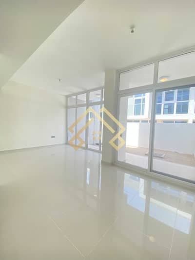 3 Bedroom Townhouse for Rent in DAMAC Hills 2 (Akoya Oxygen), Dubai -   3-Bedroom Townhouse in 50k With  6 Cheques 3 months grace period