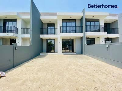 3 Bedroom Townhouse for Rent in Motor City, Dubai - Unfurnished | 3bed +Maid | Immaculate |