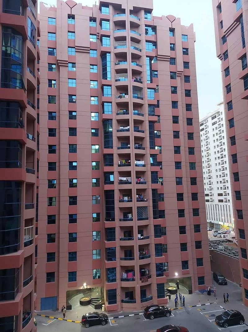 FOR RENT: 2BHK AVAILABLE IN  NUIMIYA TOWERS WITH BALCONY AND A MAID ROOM