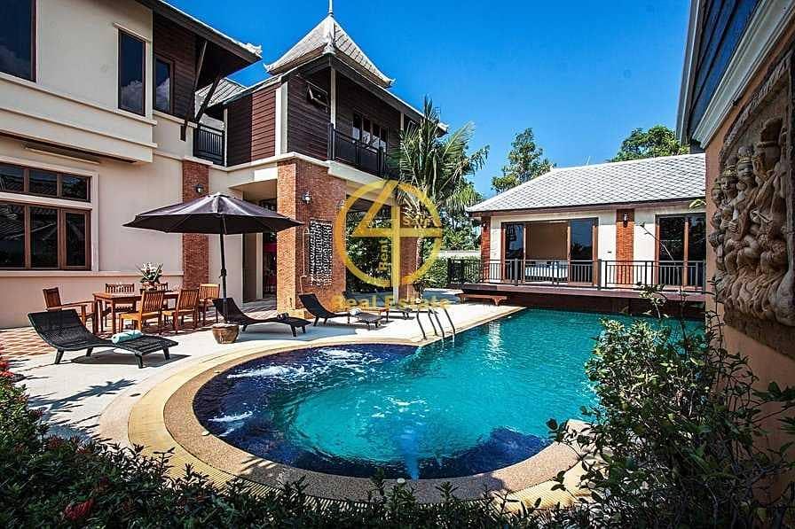 10 Modern LUX  Villa in Good Loc