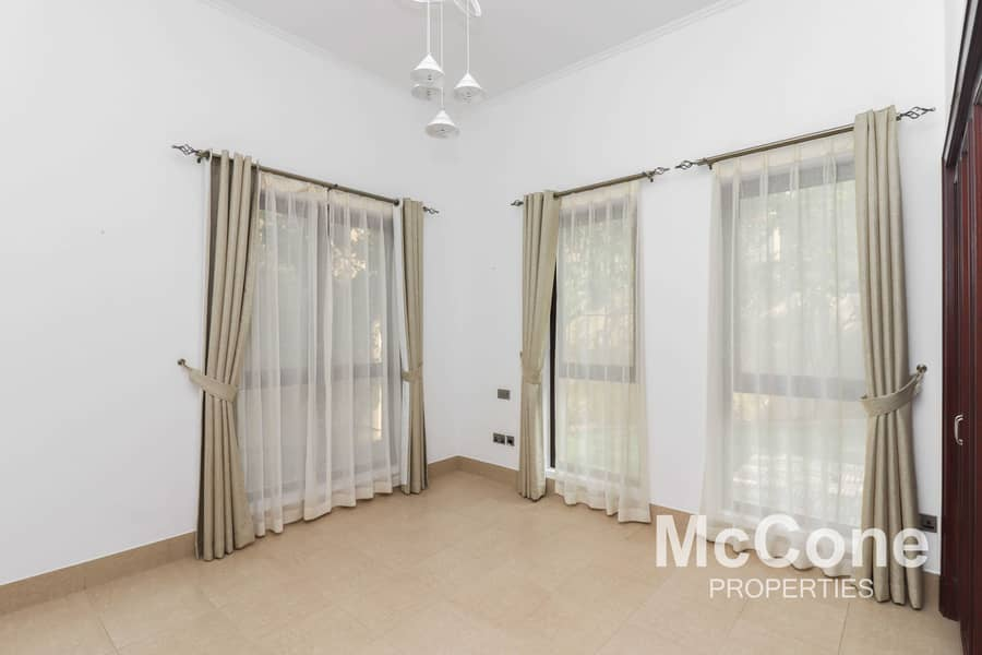 2 Large Private Garden | Spacious | Keys In Hand