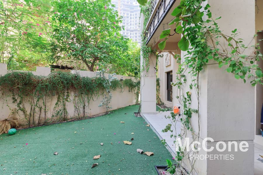 24 Large Private Garden | Spacious | Keys In Hand