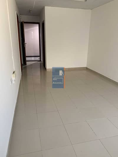 مکتب  للايجار في بر دبي، دبي - Direct from Landlord |Two Month Free| Flexible Payment | Well-maintained Studio Flat for Office Use