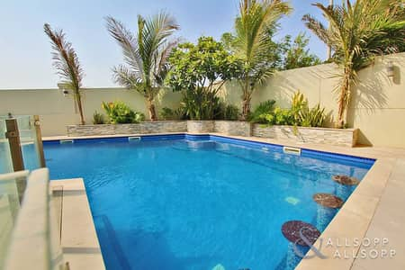 3 Bedroom Villa for Sale in Jumeirah Park, Dubai - Genuine | Stunning Pool | Large Corner Plot
