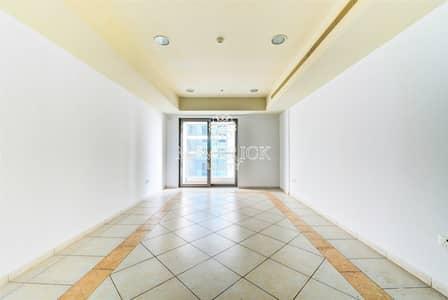 شقة 2 غرفة نوم للايجار في دبي مارينا، دبي - Sea View | Spacious 2BR | High Floor | 4 Cheqs