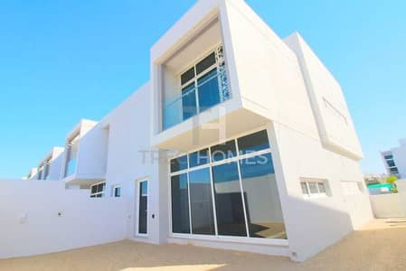تاون هاوس 3 غرف نوم للبيع في مدن، دبي - Single row   End unit   Nice location  