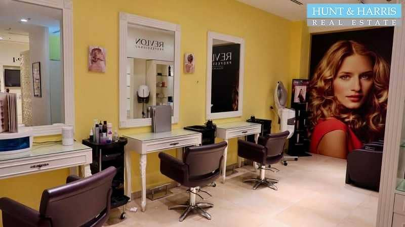 2 Amazing Fitted Salon - Fully Equipped