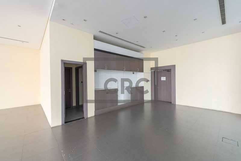 10 Retail | Fitted | Facing main road | Parking