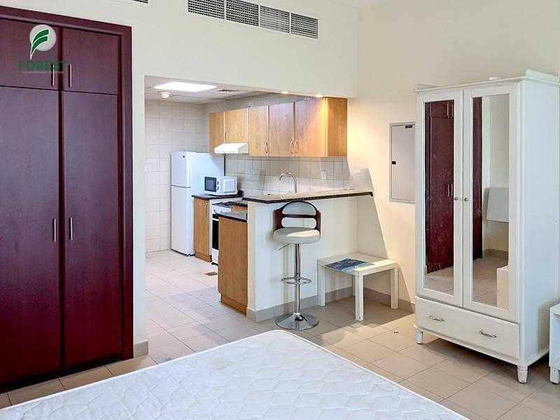Vacant   Fully Furnished   Studio   Now Available