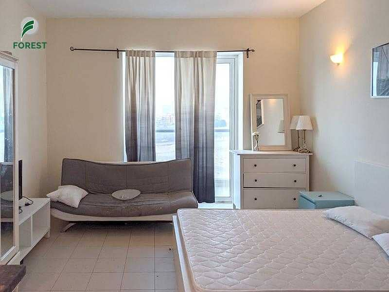 2 Vacant   Fully Furnished   Studio   Now Available