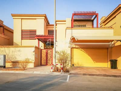 5 Bedroom Townhouse for Rent in Khalifa City A, Abu Dhabi - Spacious Layout | Private Pool | Well Maintained