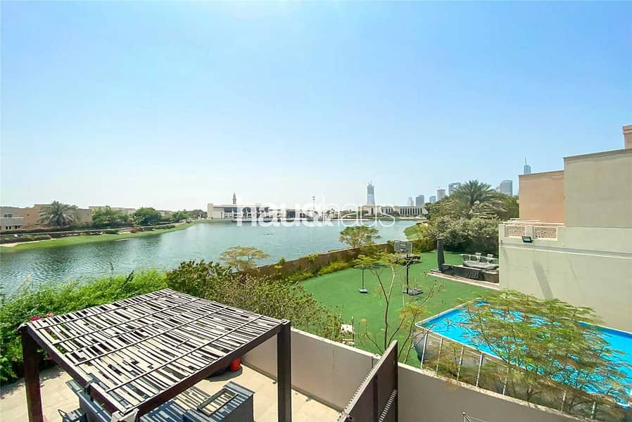 2 Fully Upgraded   Beautiful Lake View   Exquisite