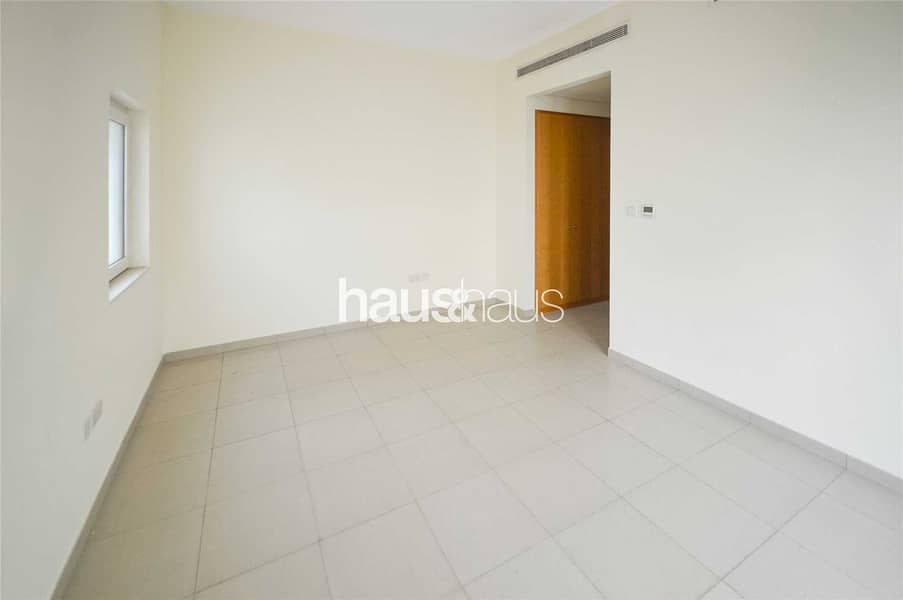 11 3 Bed + Maids | Single Row | Townhouse