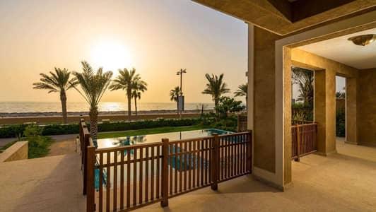 فیلا 5 غرف نوم للبيع في نخلة جميرا، دبي - Majestic Villa with Roof Terrace & Sunset View