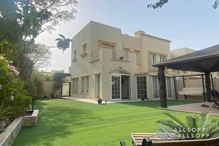 فیلا 2 غرفة نوم للبيع في الينابيع، دبي - Huge Plot   Fully Renovated   Extended
