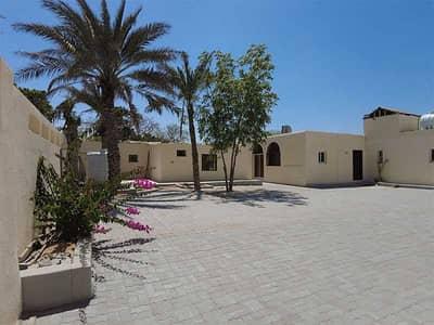 فیلا 5 غرف نوم للايجار في الطوار، دبي - فیلا في الطوار 1 الطوار 5 غرف 180000 درهم - 5157840