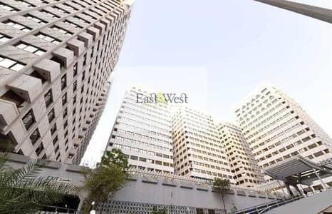 فلیٹ 3 غرف نوم للايجار في الزاهية، أبوظبي - شقة في الزاهية 3 غرف 75000 درهم - 4503975