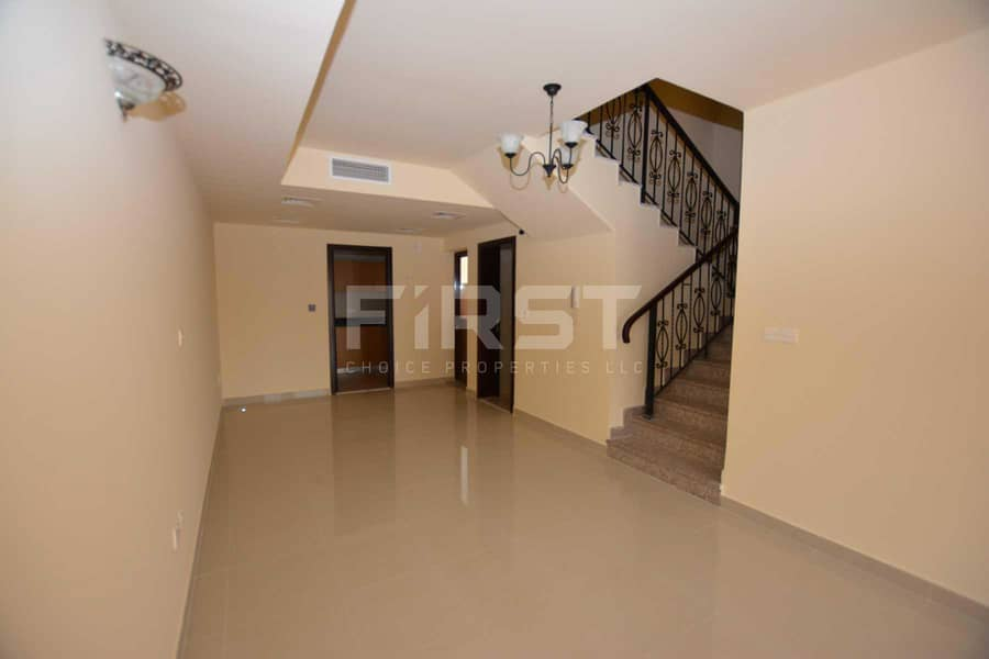 2 Bright and Spacious Villa  Up to 2 Cheques