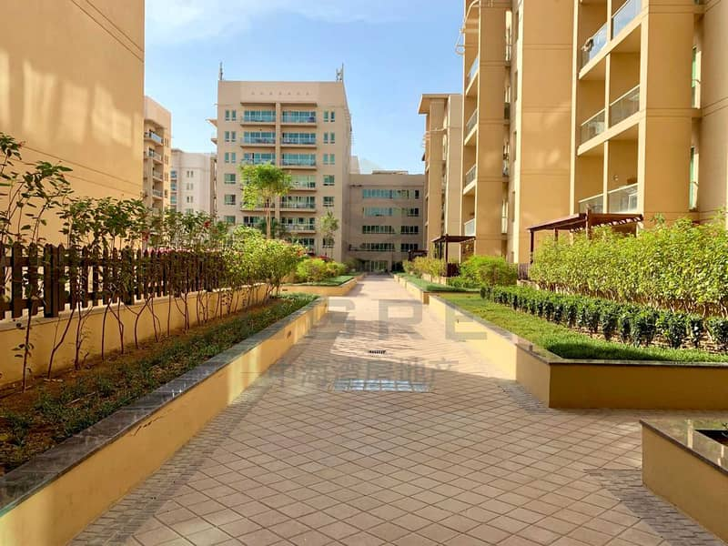 24 2 Bed + Study | Renovated | Pool & Garden View