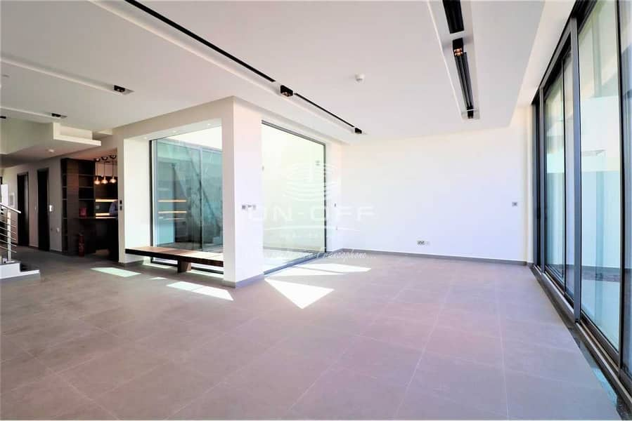 Exclusive Design High End Finish Townhouse for Sale