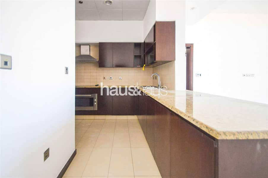 11 Stunning views | 2 bed + Study | Fitted kitchen