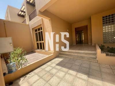 تاون هاوس 4 غرف نوم للبيع في حدائق الجولف في الراحة، أبوظبي - Spaciuos & Beautiful Villa  in Golf Garden .