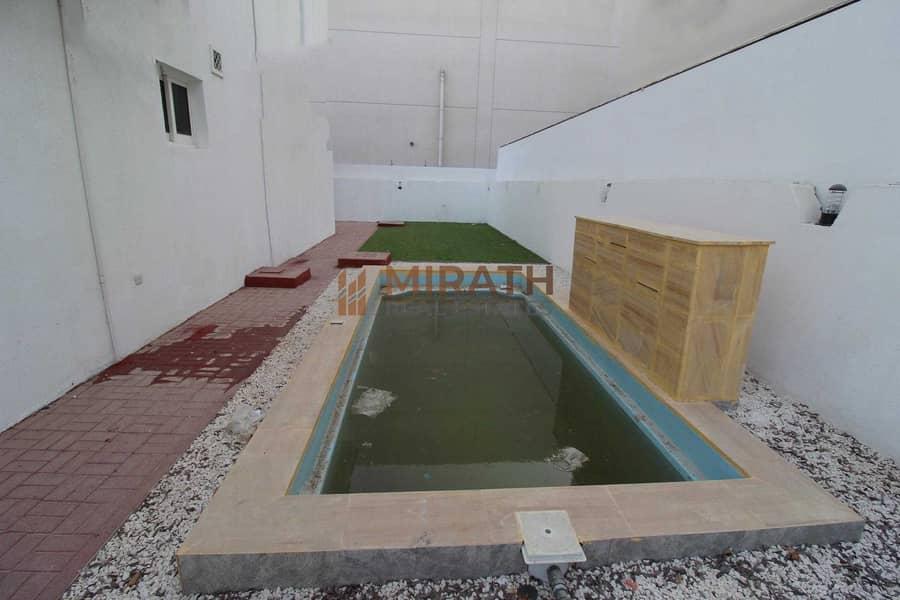 12 Stylish Independent Villa | Private Pool | Garden