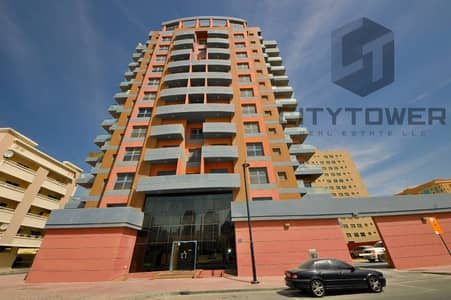 Very Large 2bedroom in Zuleikha building