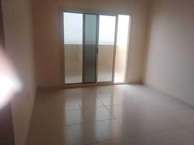 شقة 1 غرفة نوم للايجار في مدينة الإمارات، عجمان - شقة في برج الزنبق مدينة الإمارات 1 غرف 17000 درهم - 4828300