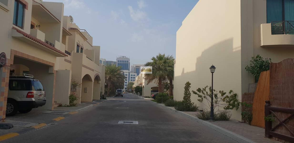 Awesome 5BR Villa w/ Parking in Khalidiya Village