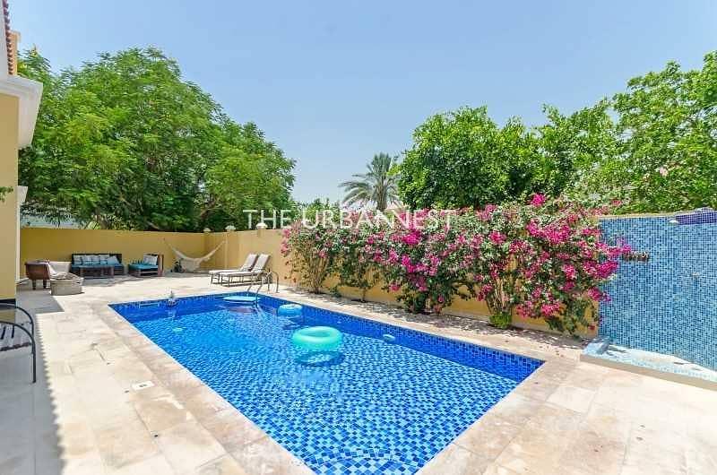 15 Vacant   Custom 5 Bed Villa w Pool   Top Location