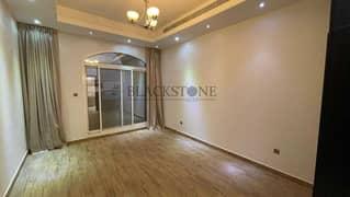 فیلا في أم الشيف 5 غرف 320000 درهم - 5361196