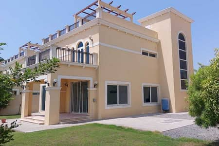 4 Bedroom Villa for Rent in Jumeirah Park, Dubai - Vacant Now - Away From Cables - Well Maintained