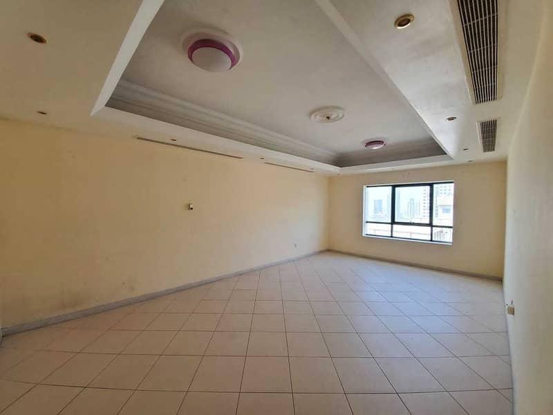 For sale apartment in Sharjah / Al Majaz 3  Sarah Tower