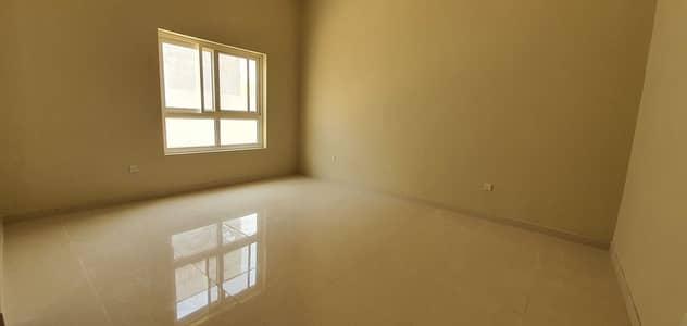 فیلا 6 غرف نوم للايجار في السيوح، الشارقة - فیلا في السيوح 7 السيوح 6 غرف 150000 درهم - 5361761