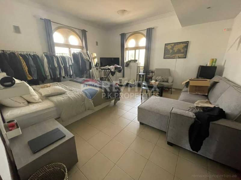 2 4 bedrooms + maids   Semi Detached Corner Villa