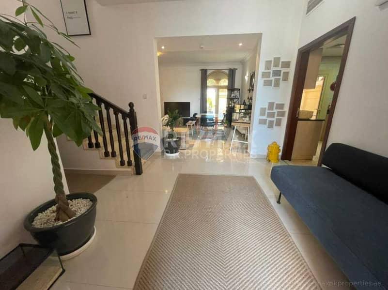 18 4 bedrooms + maids   Semi Detached Corner Villa