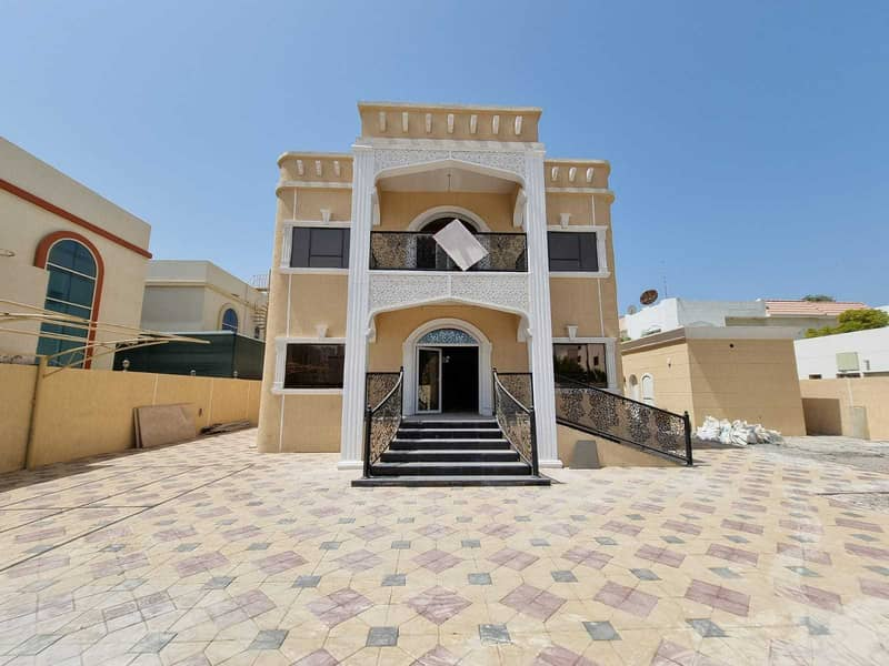 Luxurious 5BR Villa With Outside Kitchen Maids Room In Just 120k ,Al Rifah Sharjah